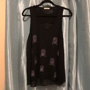 ISSI  sheer back beautiful top size L